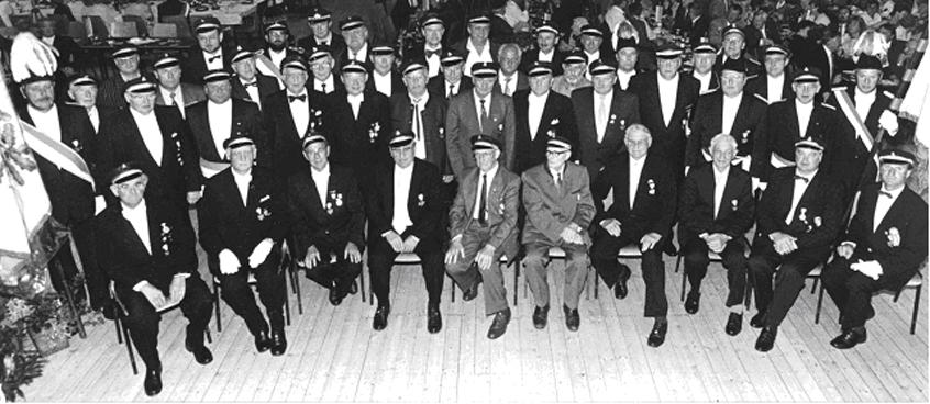 Die Schützen nach der Ordensverleihung 1993